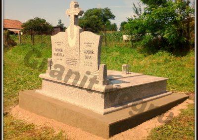 014 monument granit triplu maroniu