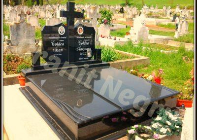 016 monument granit dublu negru cruce dreapta