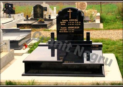 036 monument granit negru