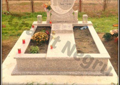 018 monument granit ciucodi 9 maroniu